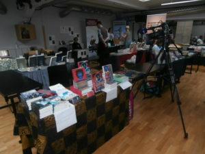 Bokbordet förbereds för SVTs intervju