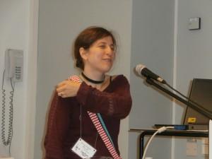 Anna Davour berättar om atomkärnan.